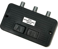 Steren 200-315 - A/B Switch 2-Way Push Button High-Isolation